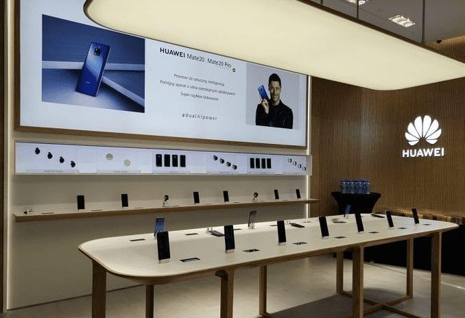 Huawei ma pierwszy salon i zapowiada 2,4 mld zł przychodów w Polsce