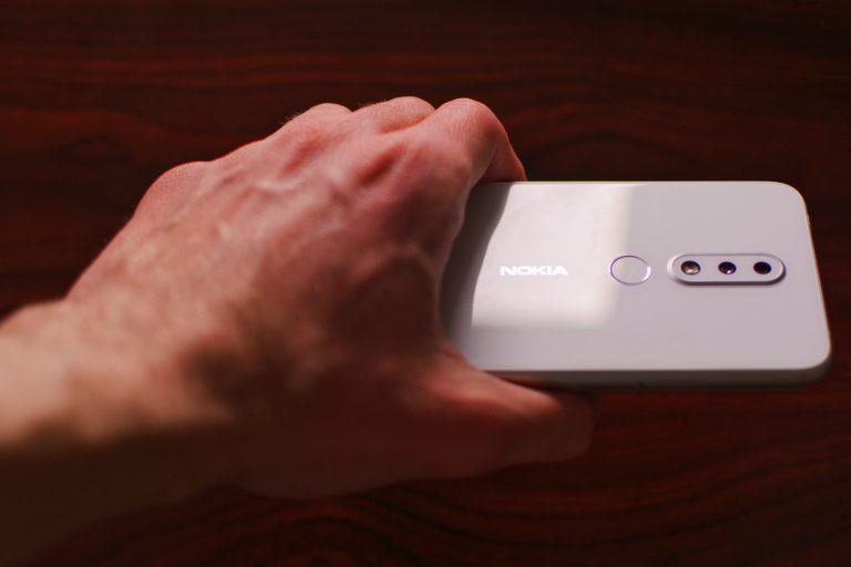 Coraz mniej kradzieży telefonów komórkowych w Polsce