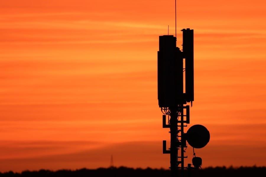 Rynek-telefonii-komórkowej-infrastruktura
