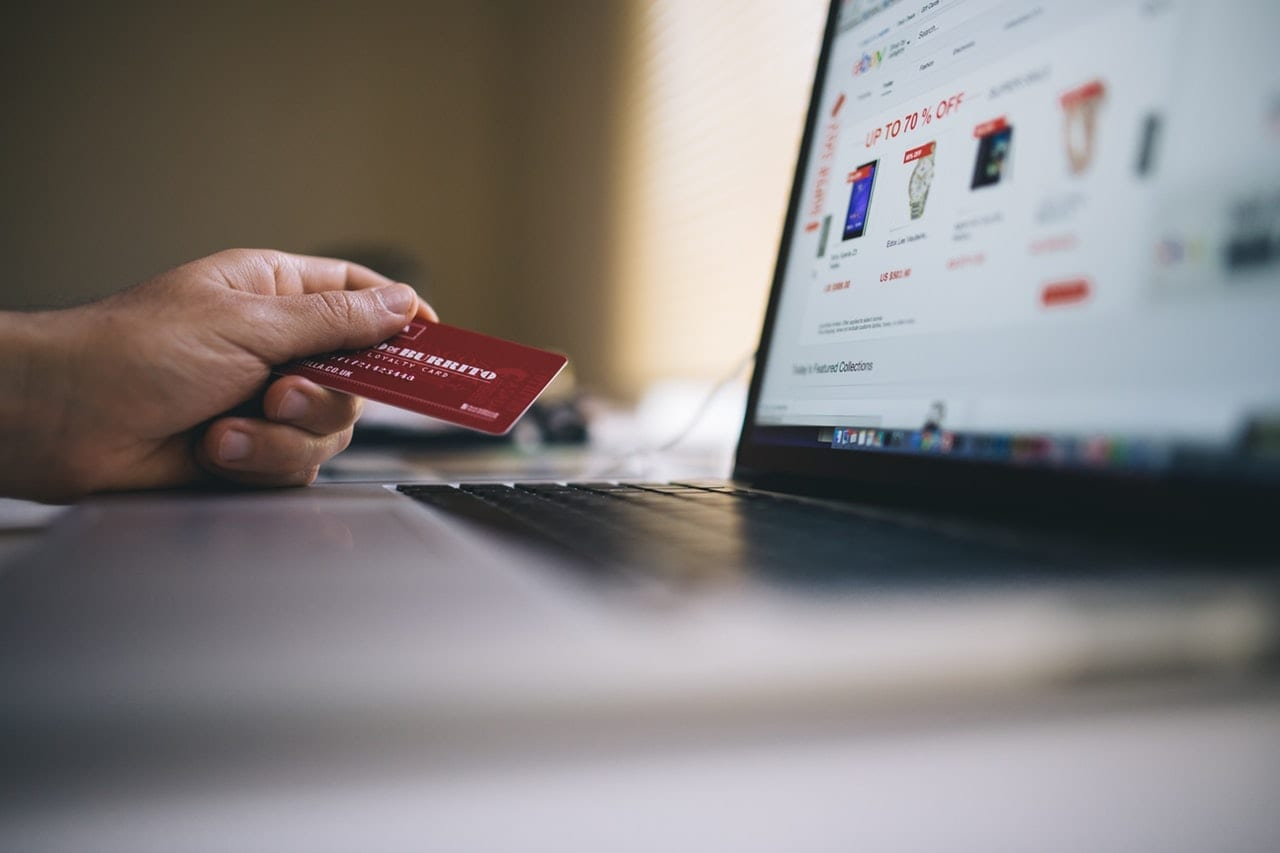 laptop-credit-card-shopping-online
