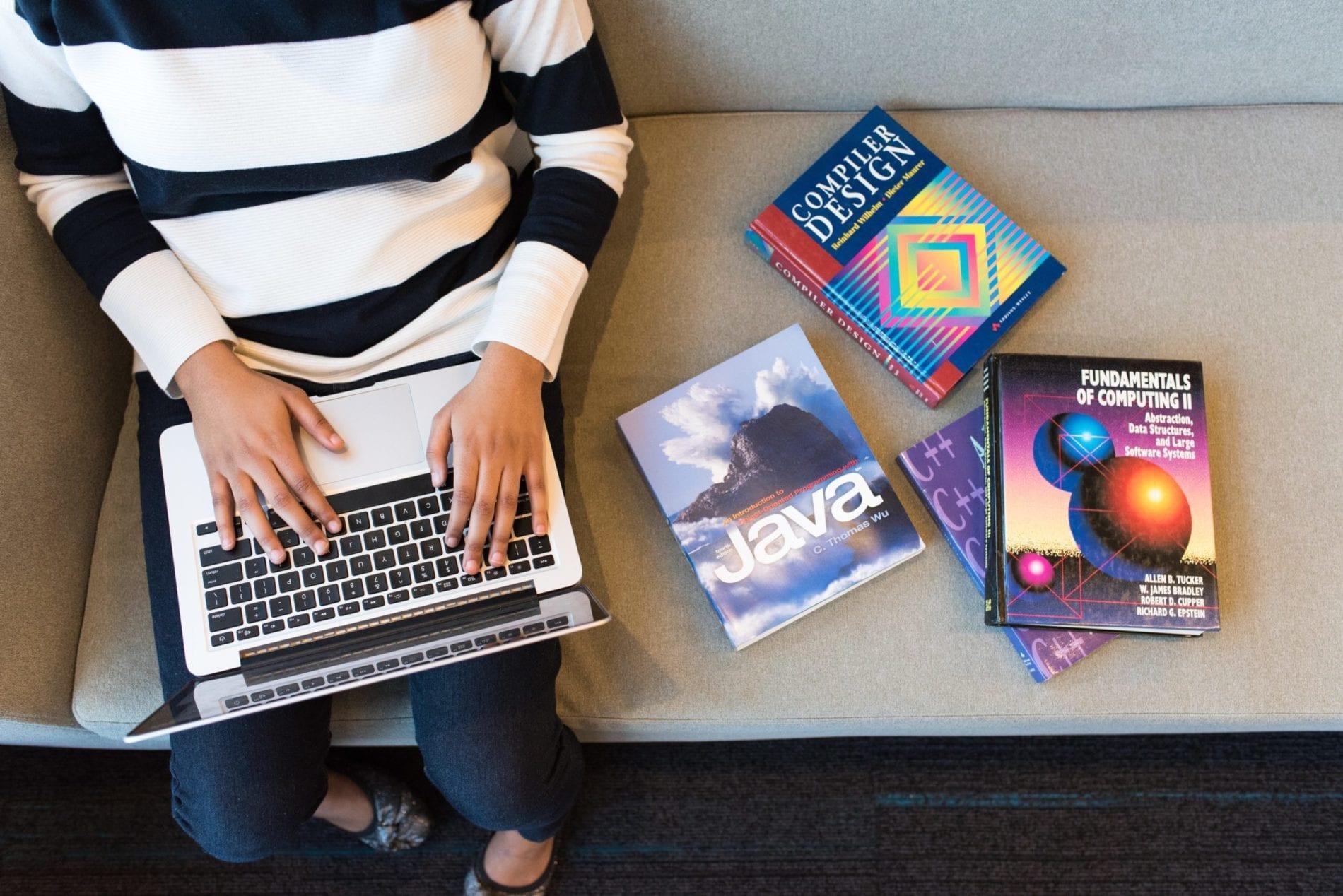 praca-komputer-java